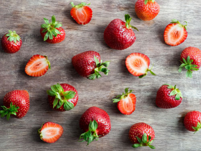 Supermarket chain removes Australian strawberries after needles found