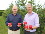 Prevar Commercial Manager Snow Hardy (left) and Fruitcraft Manager Steve Potbury.
