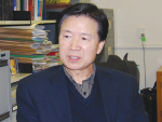 Professor Hong Di in his office at Lincoln University.