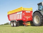 Pottinger puts silage in place