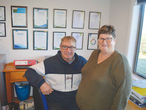 Farmers Graham and Glenys Bell have supplied top quality milk to Fonterra for 10 straight seasons.
