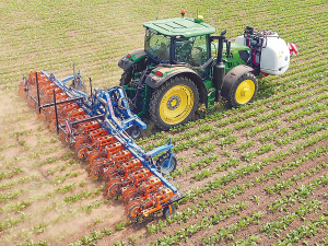 Amazone has reintroduced mechanical hoes to its cultivation line-up.