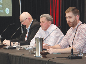 Left to right: RCNZ's Roger Parton, Fed Farmers' Gavin Forrest and MPI's Joe Stockman at the RCNZ Nelson conference.