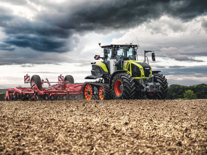 The Axion 900 Terra Trac in action.